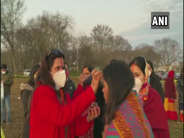 Indian Americans celebrating Chhath Puja in New Jersey. [Photo/ANI]