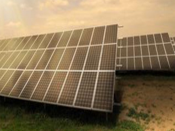 The government aims to achieve solar power capacity of 100 GW by December 2022