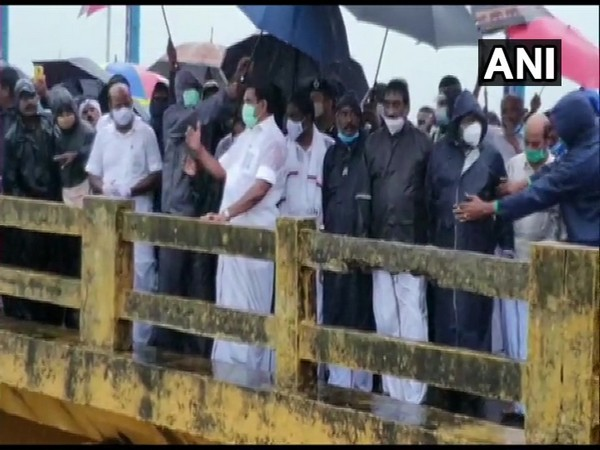 Tamil Nadu Chief Minister Edappadi K Palaniswami also visited the Chembarambakkam Lake to review the situation (Photo/ANI)