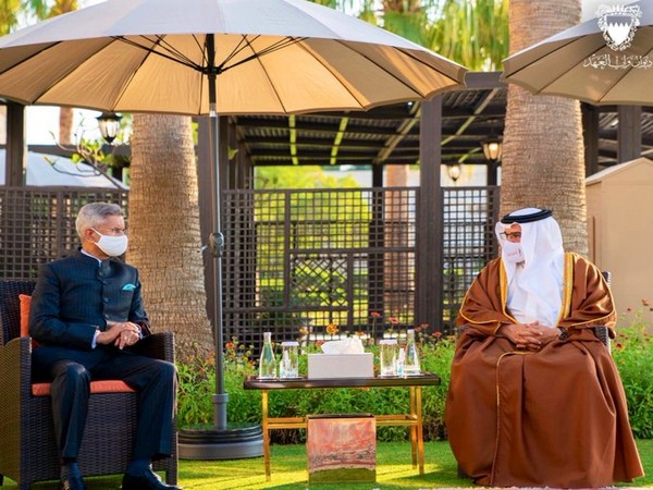 External Affairs Minister S Jaishankar with Bahrain Prime Minister Salman bin Hamad Al Khalifa (Source: Dr. S. Jaishankar/Twitter)