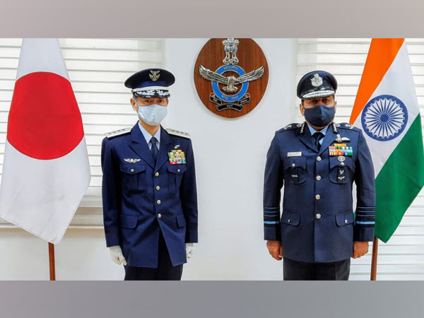 CoS-JASDF General Izutsu Shunji (left) and IAF Air Chief Marshal RKS Bhadauria (right) [Photo/ANI]