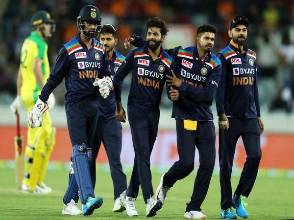 Team India in action against Australia (Photo/ Shreyas Iyer Twitter)