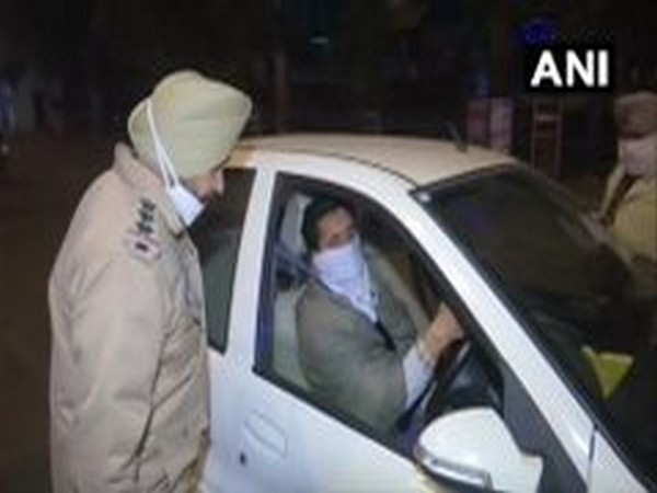 Police checked vehicles of commuters in Amritsar (Punjab/ANI)