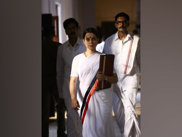 Actor Kangana Ranaut as J Jayalalithaa in 'Thalaivi' (Image Source: Twitter)