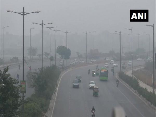 A thick blanket of fog over Delhi Safdarjung area. (Photo/ANI)