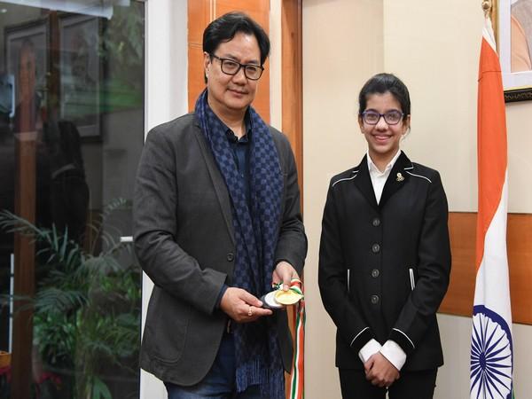 Kiren Rijiju with Amairah Chadha (Photo/ Kiren Rijiju Twitter)