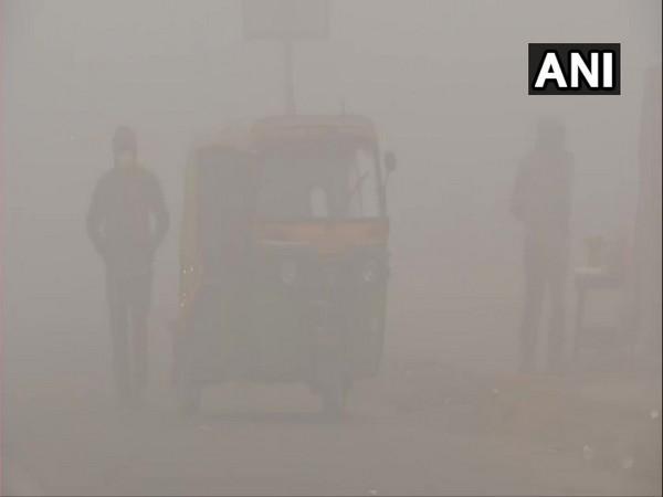 Foggy visuals from  Sarai Kale Khan. (Photo/ANI)