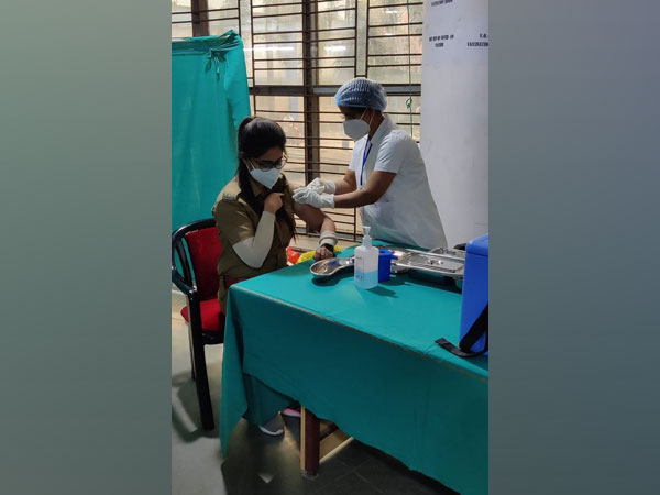 A Kolkata Police personnel received COVID-19 vaccine shot at Kolkata Medical College and Hospital. (Photo/ANI)