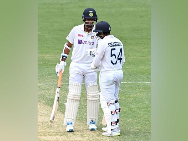 Sundar and Thakur in action against Australia. (Photo/ BCCI Twitter)