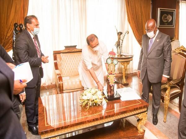 V Muraleedharan, Minister of State for External Affairs with Ghana President Nana Akufo-Addo (Photo Credit: Muraleedharan/Twitter)