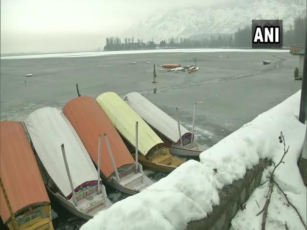 dal lake, jammu kashmir, IMD, frozen lake, tourist Srinagar