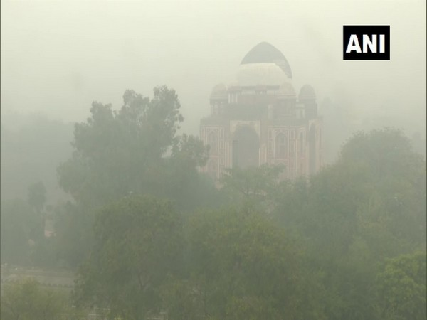 Visual of fog from the Nizamuddin area in Delhi. (Photo/ANI)