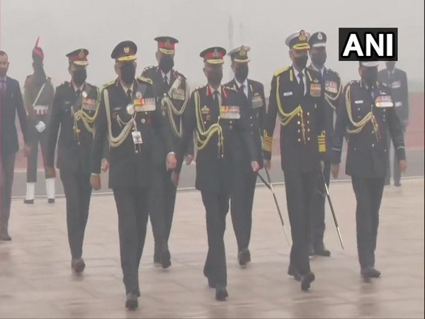 CDS Gen Bipin Rawat, three Armed forces Chiefs pay tribute at National War Memorial (Photo/ANI)