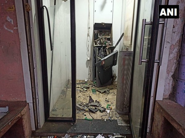 Picture of ATM after the loot
