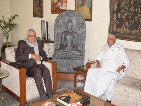 Congress leader Abdul Mannan meets West Bengal Governor Jagdeep Dhankhar (Photo/ANI)