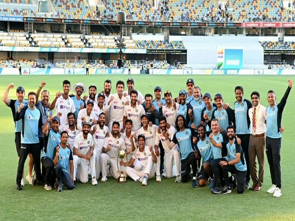 Team India after retaining the Border-Gavaskar Trophy (Photo/ Virat Kohli Twitter)