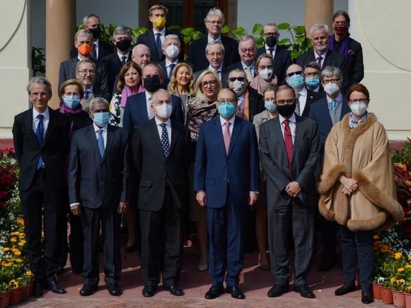 Foreign Secretary Harsh Shringla with EU ambassadors (Source: Anurag Srivastava/Twitter)
