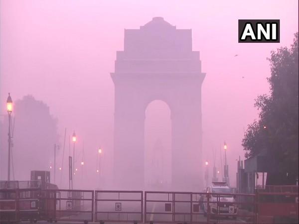 Visual of India Gate on Friday morning. Photo/ANI