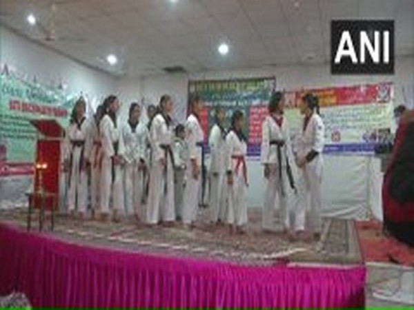 """Poonch district administration organised a programme themed """"Beti Bachao, Beti Padhao"""" (Photo/ANI)"""
