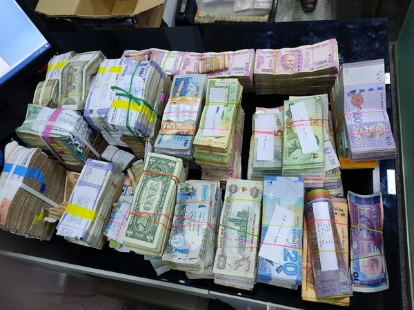 Customs Dept seized Rs 1.28 cr worth of foreign currency from a foreign exchange agency in East Nada at Guruvayur in Thrissur. [Photo/ANI]