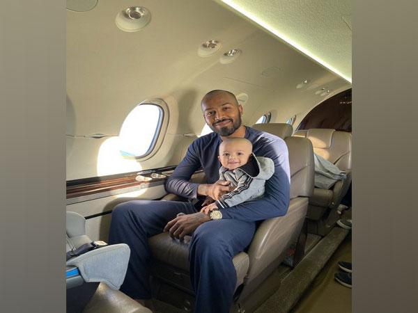 Hardik Pandya with son Agastya (Photo/ Hardik Pandya Twitter)