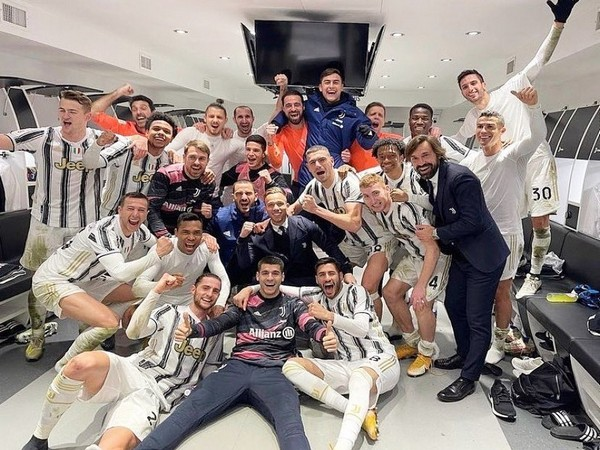 Andrea Pirlo with Juventus players. (Photo/ Cristiano Ronaldo Twitter)