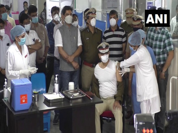 A police officer received the COVID-19 vaccine. (Photo/ANI)