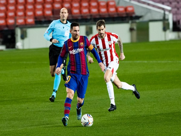 Lionel Messi in action against Athletic Club (Photo/ Barcelona Twitter)