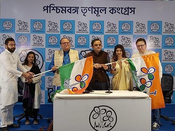 Veteran Bengali actor Dipankar Dey and others joined TMC