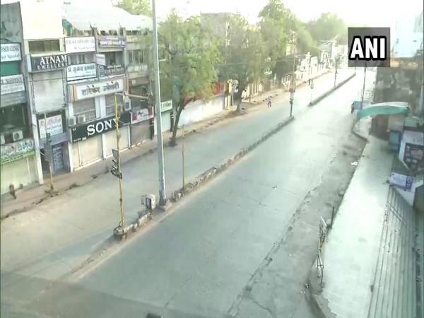 Streets deserted during week-long curfew in Maharashtra's Amravati (Photo/ANI)