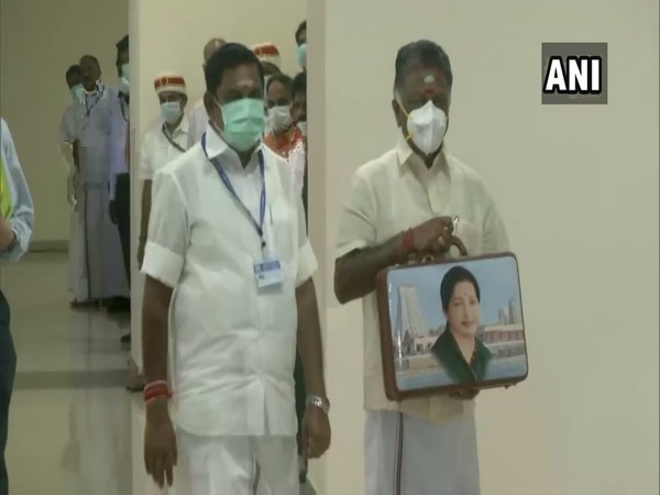 Tamil Nadu Chief Minister Edappadi K. Palaniswami and Deputy Chief Minister O Panneerselvam in State Assembly (Photo/ANI)
