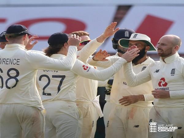 Jack Leach and England team (Photo/ England Cricket Twitter)