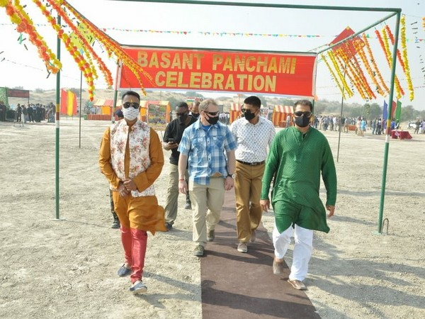 Indian and the US soldiers on Tuesday (local time) celebrated Basant Panchami festival amid the US-India Yudh Abhyas defense exercises. (Photo credit: Twitter/South Western Command, Indian Army)