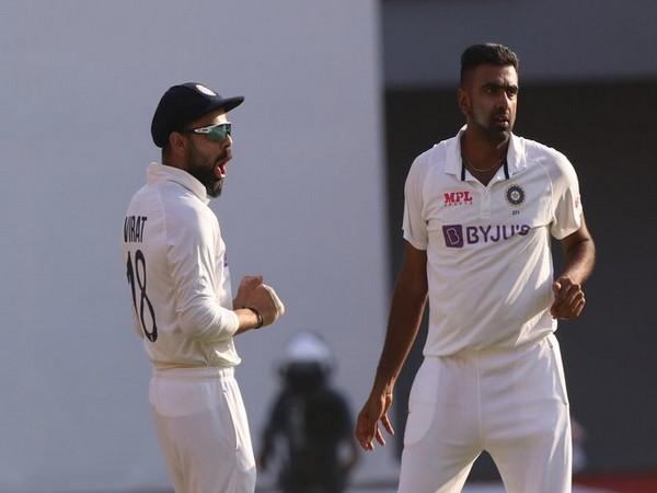R Ashwin with skipper Virat Kohli (Photo/ ICC Twitter)