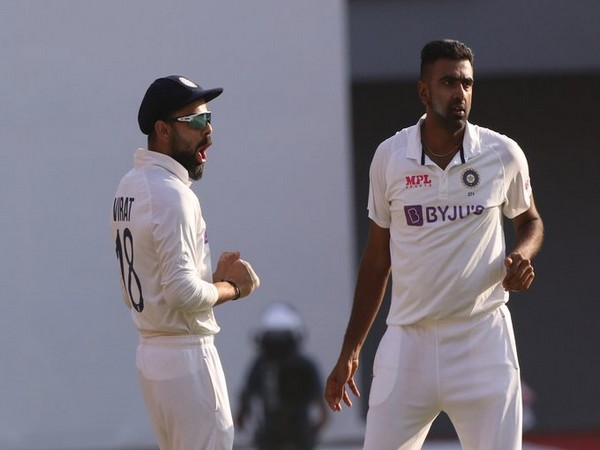 Ashwin with Kohli (Photo/ ICC Twitter)
