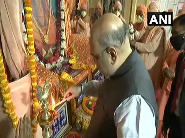 Amit Shah offers prayers at Bharat Sevashram Sangha on West Bengal visit  (Photo/ANI)