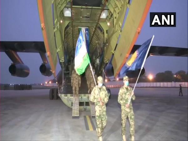 Uzbek Army troops arrive in New Delhi