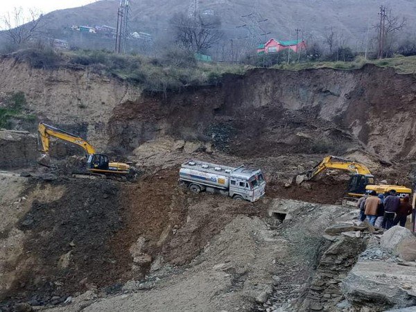 A visual from Srinagar-Jammu National Highway (Photo/ANI)