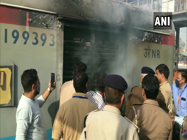 A visual of the incident of fire in the generator and luggage compartment of the Lucknow-bound Shatabdi Express at Ghaziabad station on Saturday. [Photo/ANI]