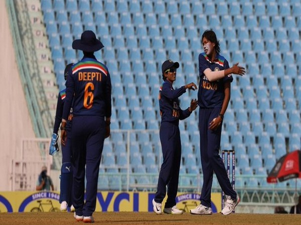 Jhulan Goswami in action against South Africa (Photo/ICC Twitter)