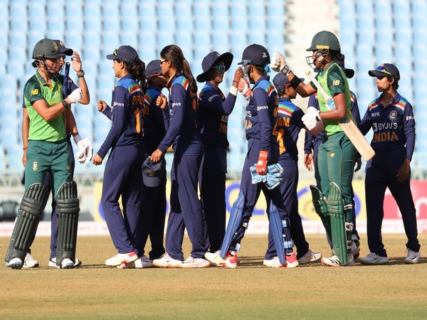 Indian players congratulate the Proteas batters at the end of the 4th ODI (Photo/ BCCI Women Twitter)