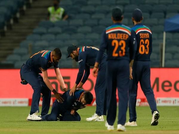 Shreyas Iyer injured himself during the first ODI against England (Photo/ BCCI Twitter)