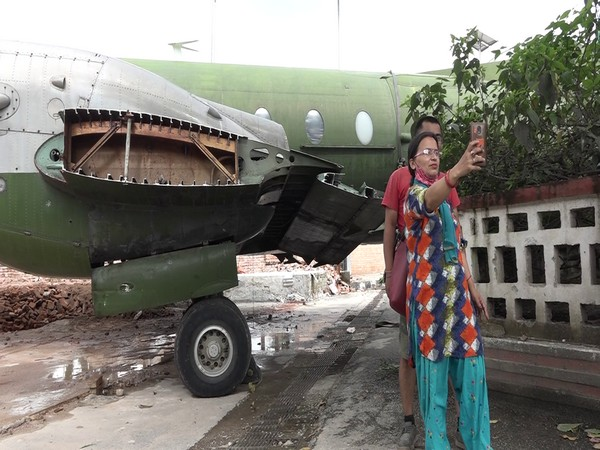 People taking selfie with Avro Aircraft ANA 020. Photo/ANI