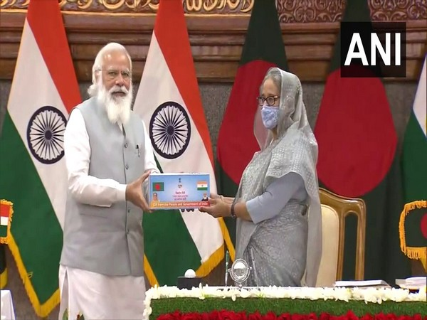 Prime Minister Narendra Modi and Bangladesh Prime Minister Sheikh Hasina
