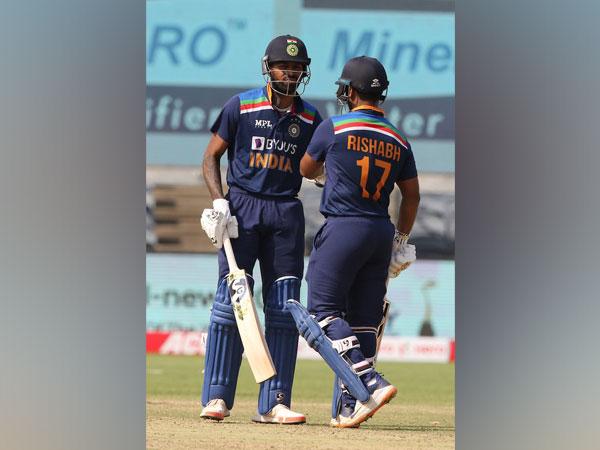 Hardik Pandya and Rishabh Pant in action (Photo/ BCCI Twitter)