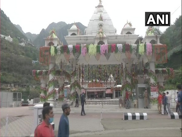 Devotees reached the Mata Vaishno Devi temple in Katra on Tuesday for darshan on the first day of Navratri. [Photo/ANI]