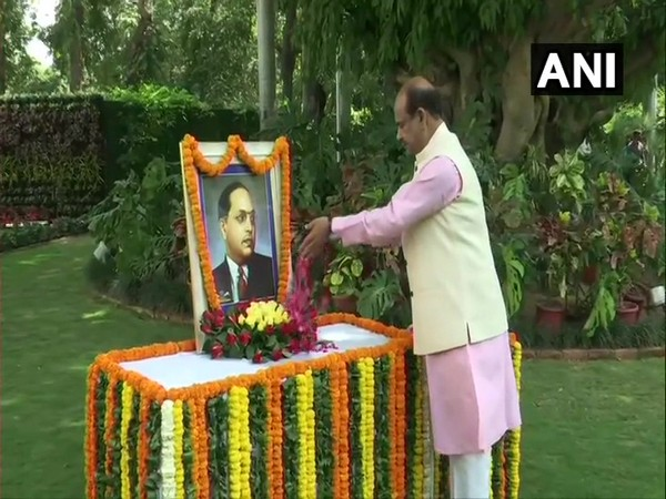 Om Birla paying floral tribute to Dr Bhimrao Ambedkar (Photo/ANI)