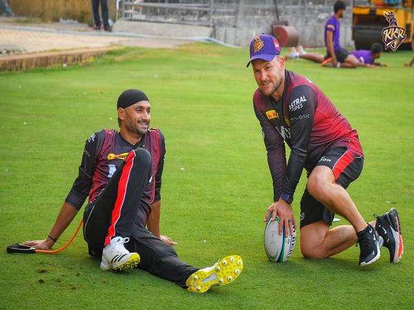 Harbhajan Singh with coach Brendon McCullum (Photo/ KKR Twitter)