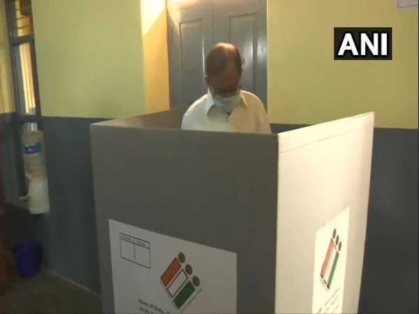 Congress leader P Chidambaram casting his vote (Photo/ANI)