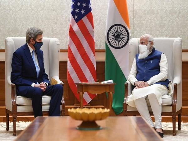 US Climate envoy John Kerry and Prime Minister Narendra Modi